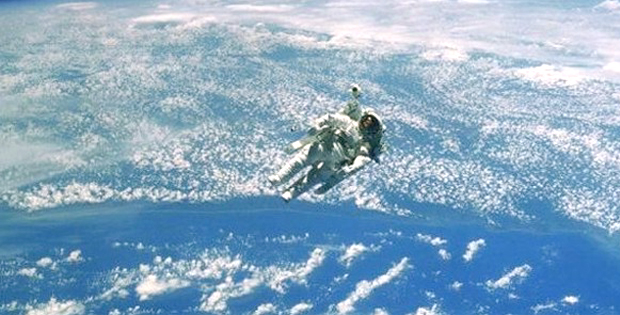 Rus kozmonotlar uzayda 7 saat kaldı