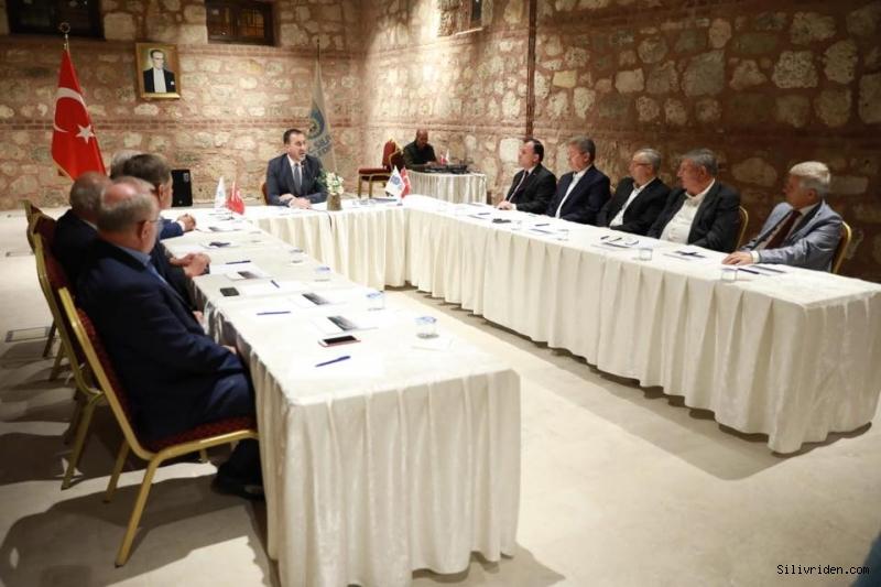 Başkan Yılmaz eski başkanlar ile toplantı yaptı