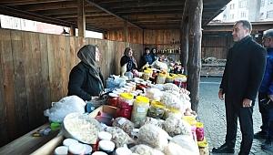 Köy Pazarı yeni yerinde hizmete başladı