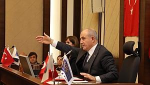 Başkan Akgün: Bu millet bizi denize döker!