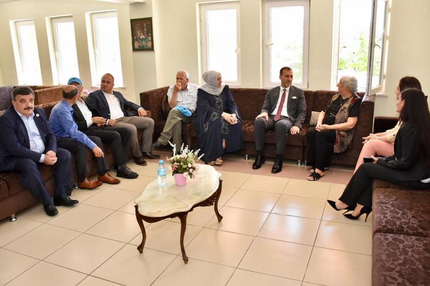 Başkan Yılmaz'dan huzurevi ziyareti