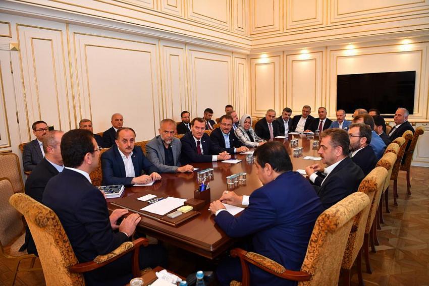 AK Partili başkanlardan İmamoğlu'na tebrik ziyareti