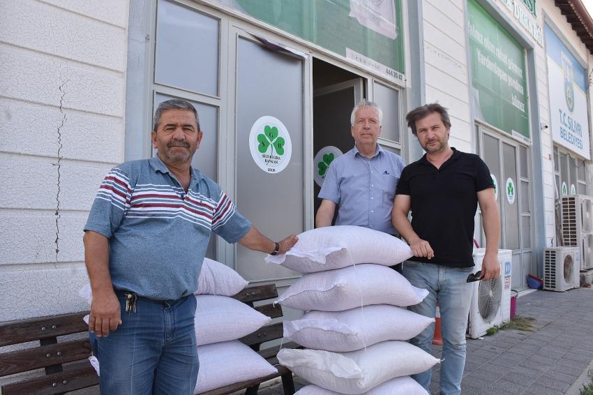 Çiftçilerden Silivri Gıda Bankası'na destek