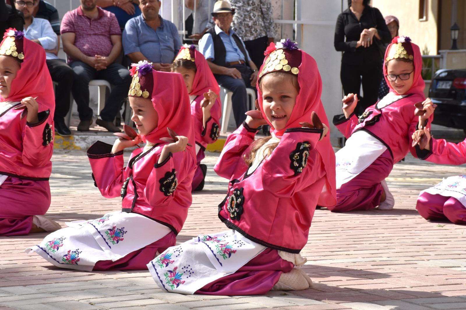 Silivri'de okulların açılış töreni yapıldı